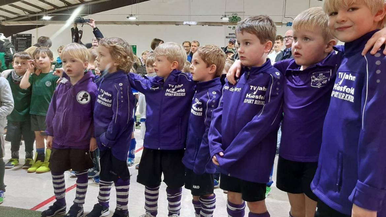Knaben E 2014 gewinnen die ersten Pokale